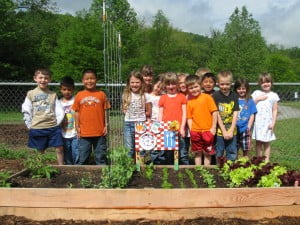 Growing Minds Trains Individuals To Establish Farm To School Gardens And To  Integrate Gardening Into State And National Curriculum.